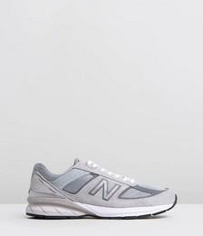 New Balance Classics 990