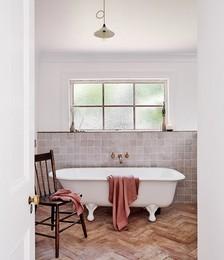 100% Linen Waffle Bath Towel in Pink Clay