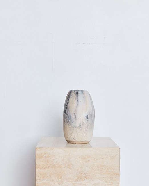 Medium Pebble Vase In Sandy Pearl