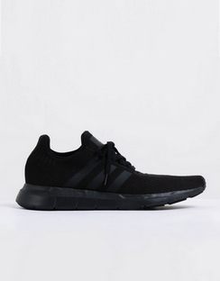 Mens Swift Run Sneakers in Black