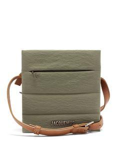 Carre Leather Shoulder Bag