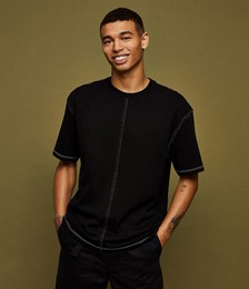 Contrast Stitch T-shirt in Black