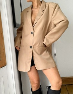 Nipped Waist Strong-shouldered Dad Suit Blazer in Camel